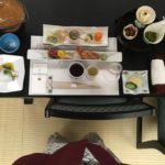 Tradiční japonská mnohachodová večeře.